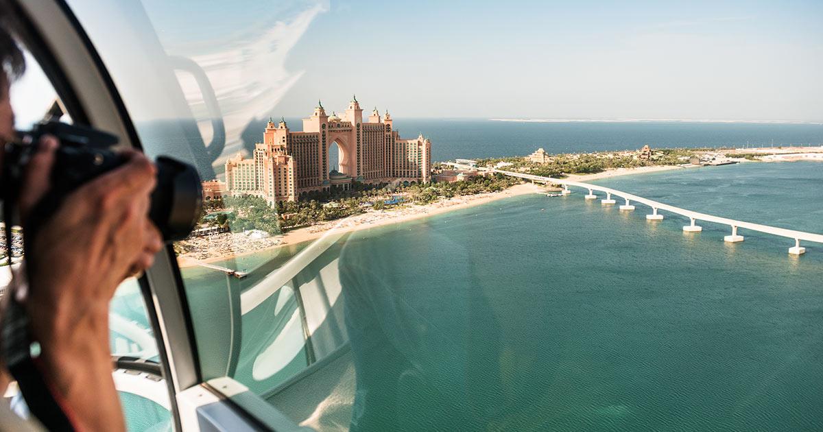 Flyga helikopter i Dubai - boka helikoptertur